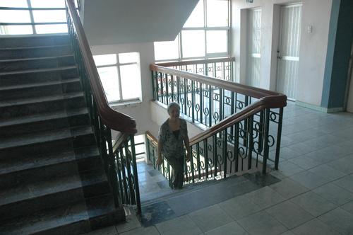 cầu thang chung cư
