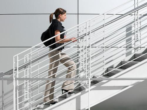 Mẹo giảm cân hiệu quả cho các quý bà công sở
